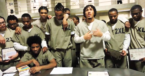 238 Chicago's Cook County Jail Inmates Infected With COVID-19 ...